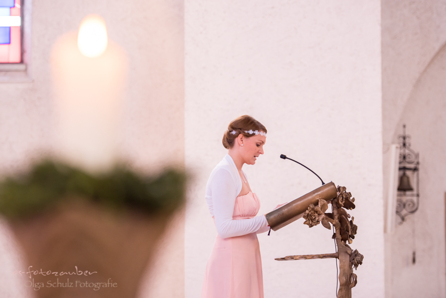kirchliche Trauung, Kuss, Hochzeitsreportage Zweibrücken, Hochzeitsfotografin, Hochzeitsfotos, Brautpaar, Ja-Wort, romantische Hochzeit, Vintage, os-fotozauber, olga-schulz-fotografie, Olga Schulz