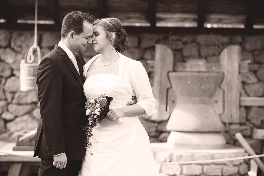 Hochzeitsreportage, Hochzeitsfotografie, Hochzeitsfotograf Koblenz, Hochzeitsfotograf Köln, Brautpaarshooting, Trauung in Römerbergwerk Meurin, Hochzeit Römerbergwerk Meurin, olga-schulz-fotografie, os-fotozauber, Hochzeit in Koblenz, Hochzeitsfotografin