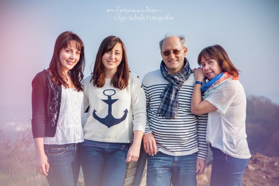 Familie, Familienshooting, Familienfotografin, Fotografin Koblenz, Familienportrait, Outdoorshooting, Fotostudio Koblenz, Olga Schulz, olga-schulz-fotografie.de, Fotograf Koblenz, Kinderfotograf, Fotoshooting in Koblenz