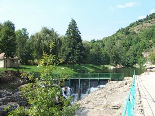 Nog een mooi natuurlijk zwemwater bij Lamastre met de naam Retourtour.