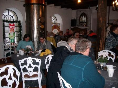 das gut besuchte LandFrauencafé  (Foto: B.Löffler)