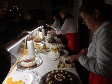 die köstlichen Torten sind sehr begehrt..(Foto: D.Mathes)