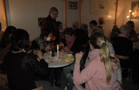 Der Andrang war groß beim Filmabend der Rönsahler Landfrauen. Foto: Negel-Täuber