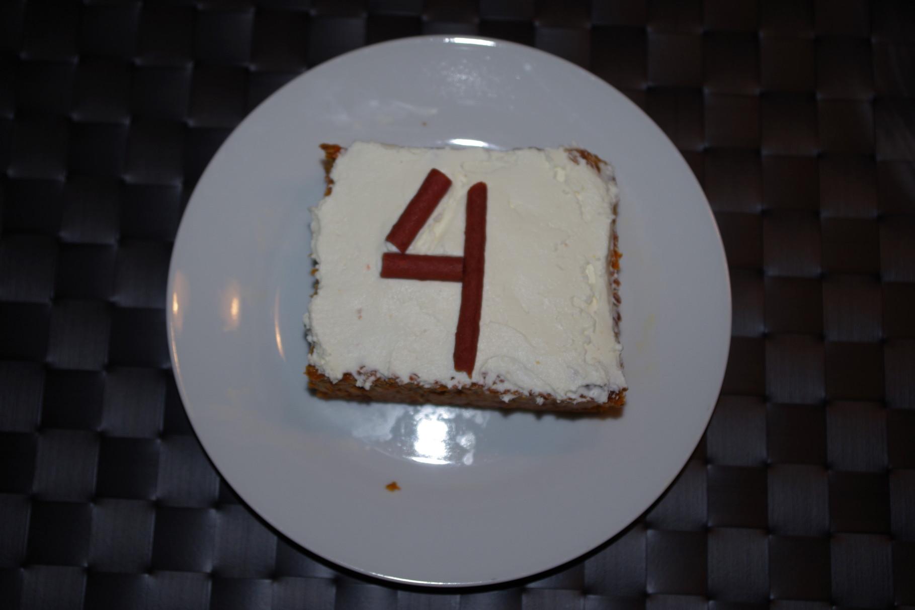 Ich habe eine Torte bekommen.