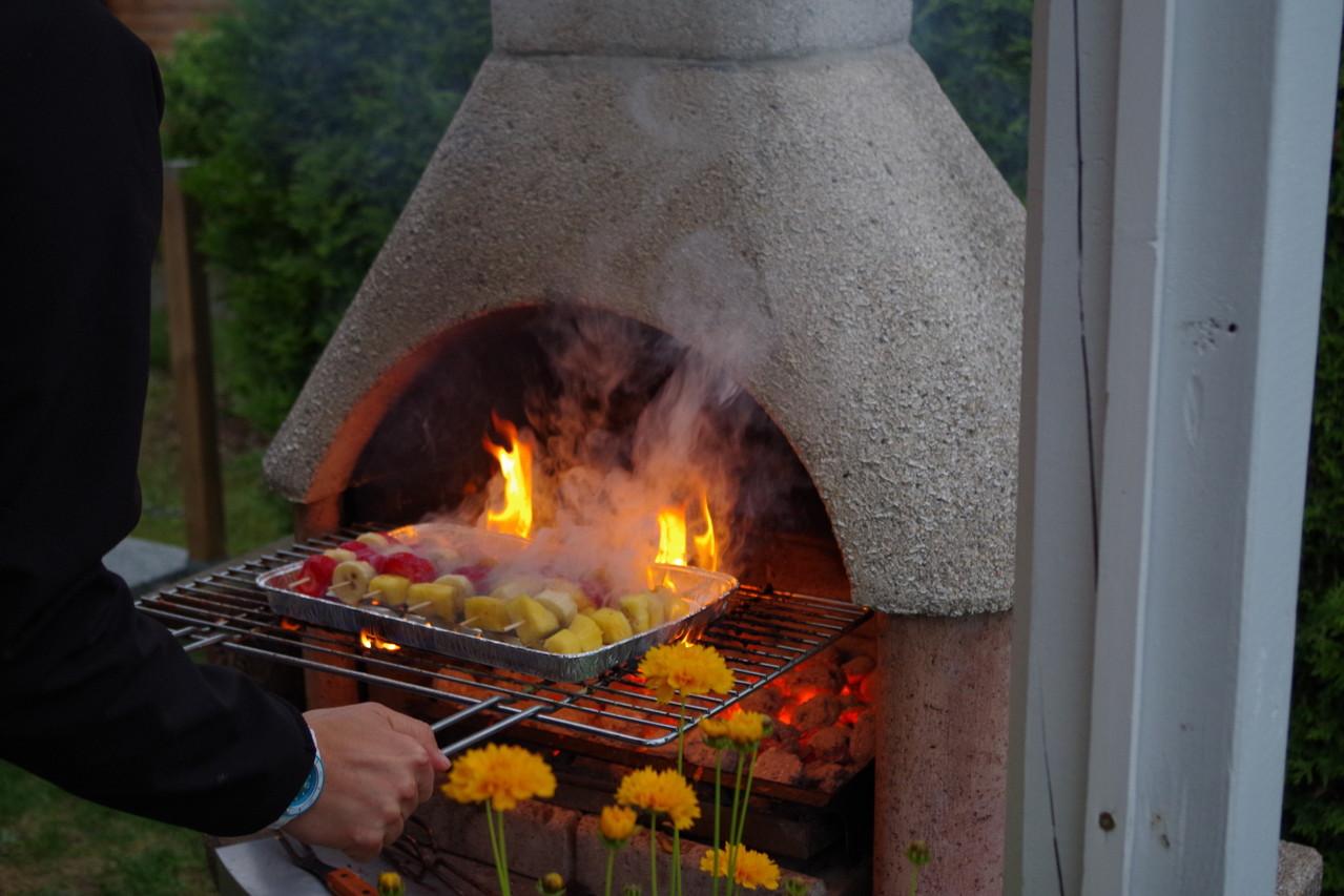 ich glaube das Essen brennt etwas ;-)
