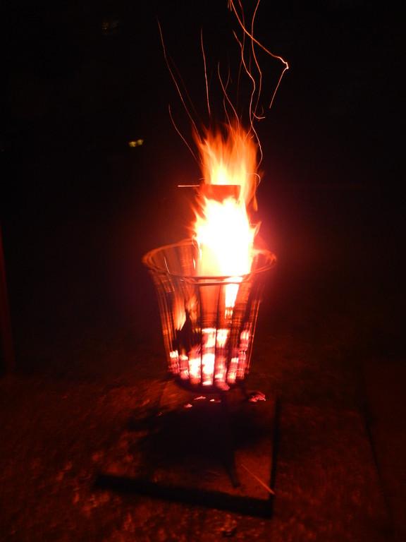 Nach einen tollen Grillabend, haben wir noch Stunden vorm Feuer gesessen