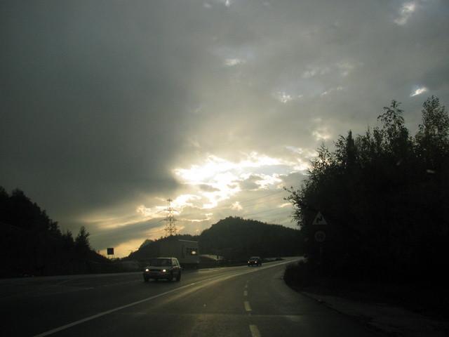 Wetterumschwung... (Sicht aus fahrendem Auto)