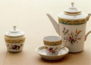 Set of china 'Kurland' manufactured by the Staatliche Porzellan-Manufaktur Berlin