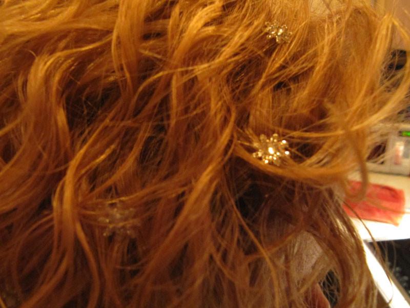 Ein bisschen Glitzer im Haar