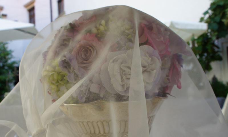 Mein Brautstrauß mit meinem Schleier