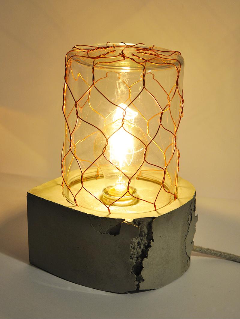 CARRIER  Tischlampe_ 23cm x 19cm x 16cm_ Glaskuppe mit Kupferdraht_ Edison Vintage Glühbirne 40W_ Leinentextilkabel_