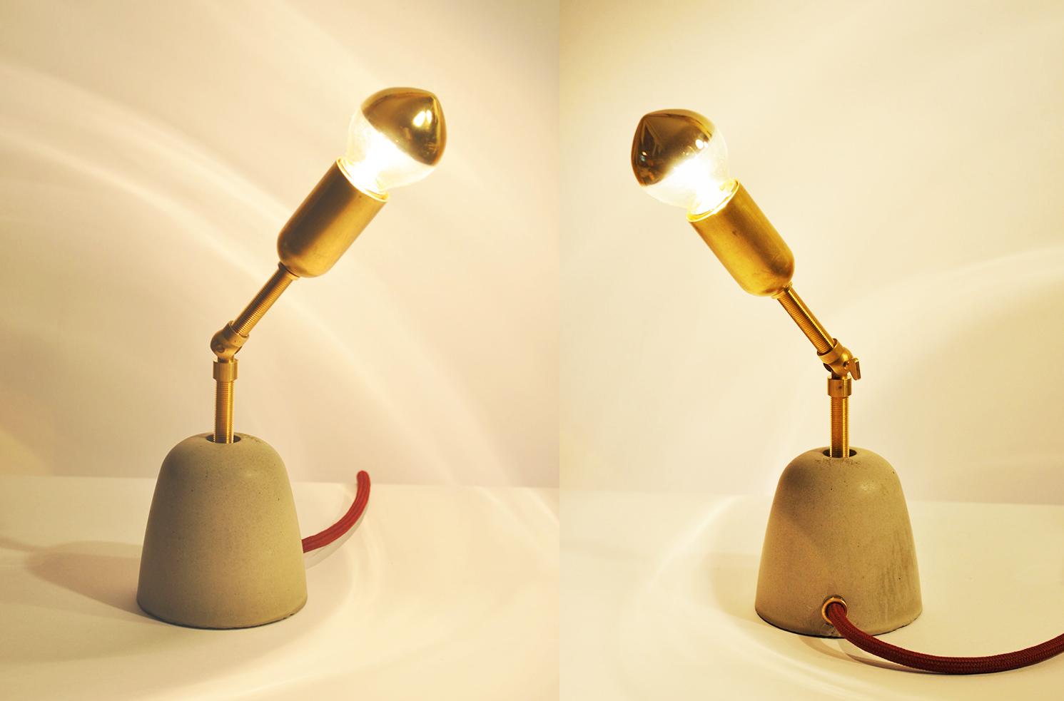 C-3PO Tischlampe_ Messingarm schwenkbar_ 28cm x 8cm x 8cm_ Goldverspiegelte Glühbirne 25W_  Bordeauxrotes Textilkabel_