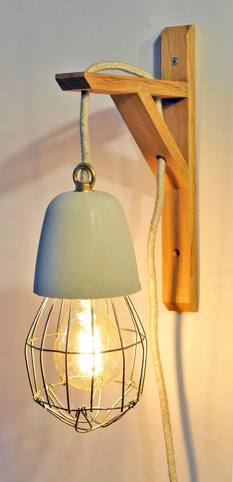 OAK GIBBET #4 Wandampe_ Eiche_ 23cm x 14cm x 5cm_  Edison Vintage Glühbirne 40W_ Rotes Textilkabel_