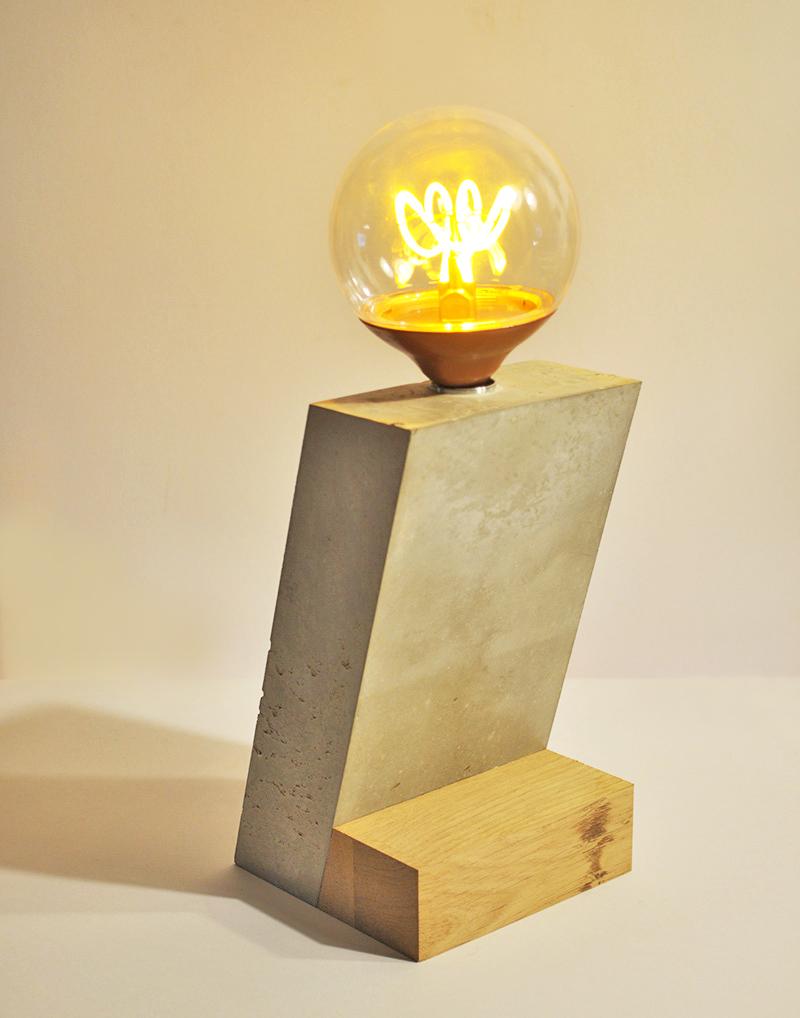 ANGLE Tischlampe_ Eichenblock_ 21cm x 12cm x 12cm_ LED Vintage Glühbirne 25W_  Leinentextilkabel_