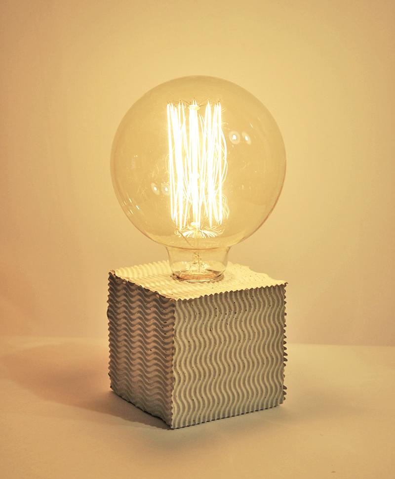 WAVE Tischlampe_ 10m x 10cm x 10cm_ Edison Vintage Glühbirne 40W_  LeInentextilkabel_