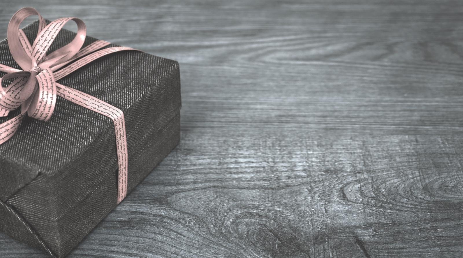 Geschenke mit Wein - Geschenksets & Präsentkörbe online kaufen