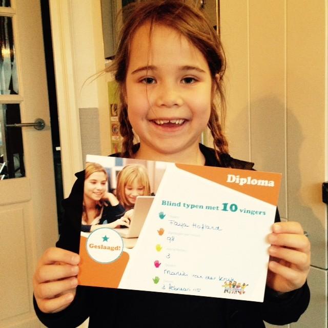 Faya, 8 jaar en dyslectisch is 3 februari geslaagd voor haar type examen.