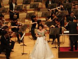 世界的に著名なソプラノ歌手、中嶋彰子さんの華やかなステージ(2012年、第2回コンサート)