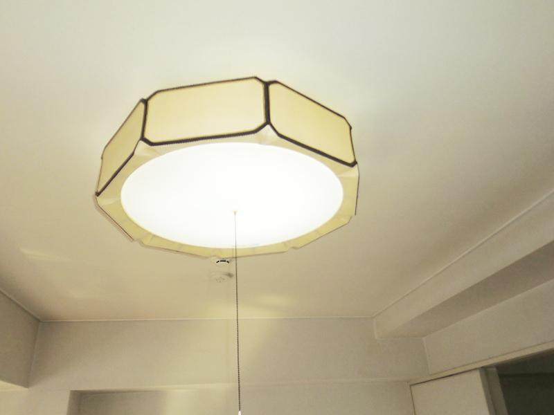 洋室1 照明