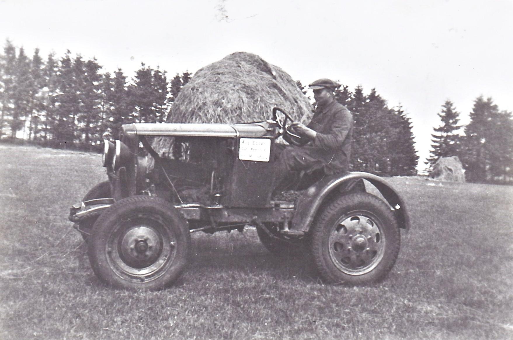 der erste Traktor auf dem Vennhof - Marke Eigenbau