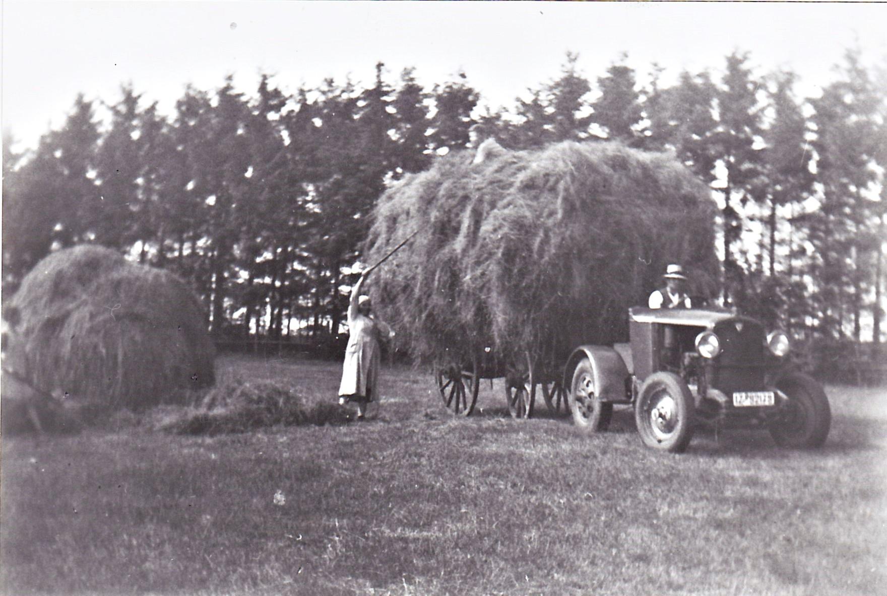 die Erntezeit war sehr anstrengend für die Bauersfamilie