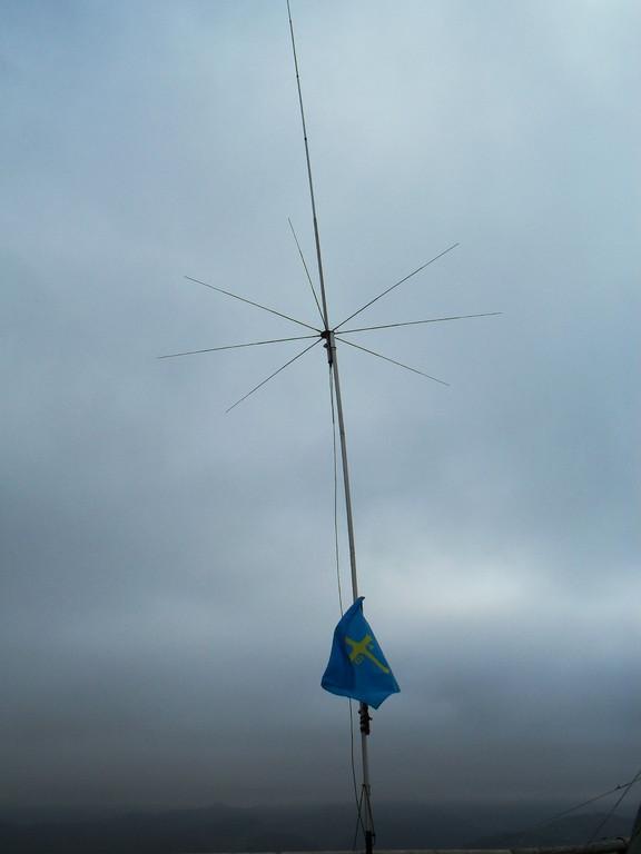 Antena construida por 30-L.O.M.-061 Eduardo