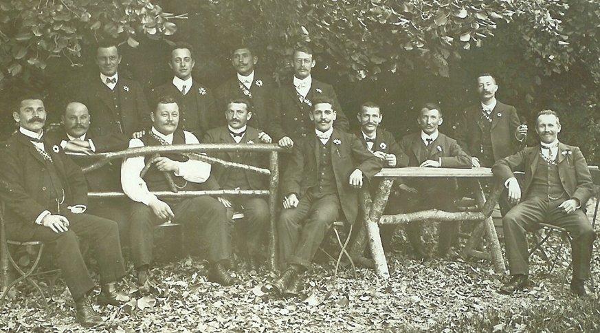 Männerreige Kurz nach der Gründung 1909