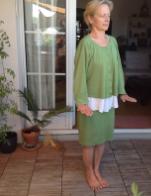 Katharina praktiziert Qigong