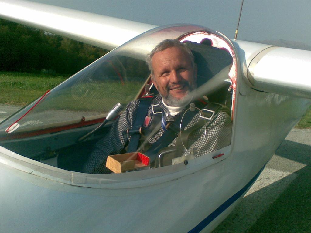 AVL  Andrea Strata flying M100S I-ALEB