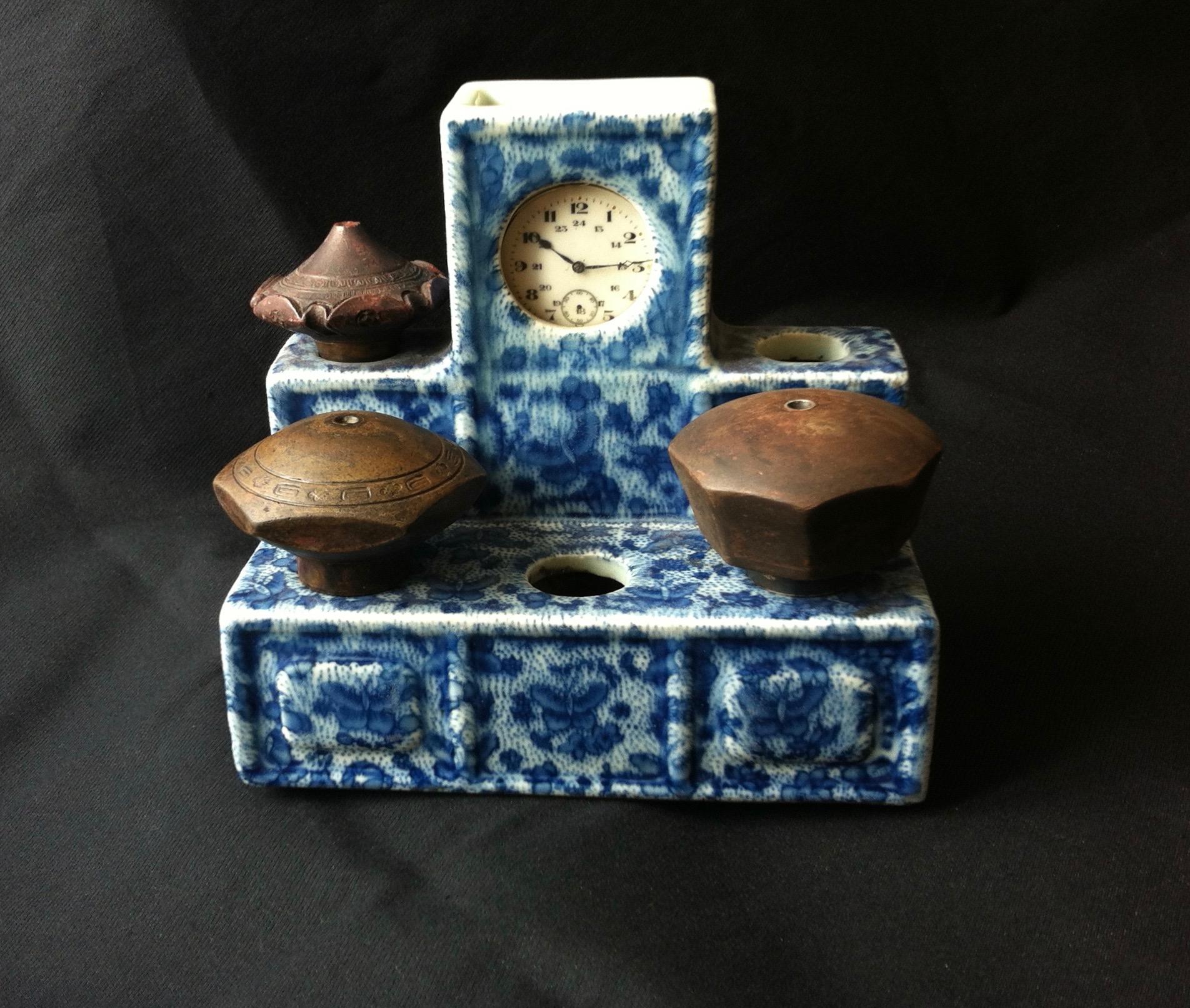 Porte-fourneaux en porcelaine blanc-bleu (–> Accessoires)