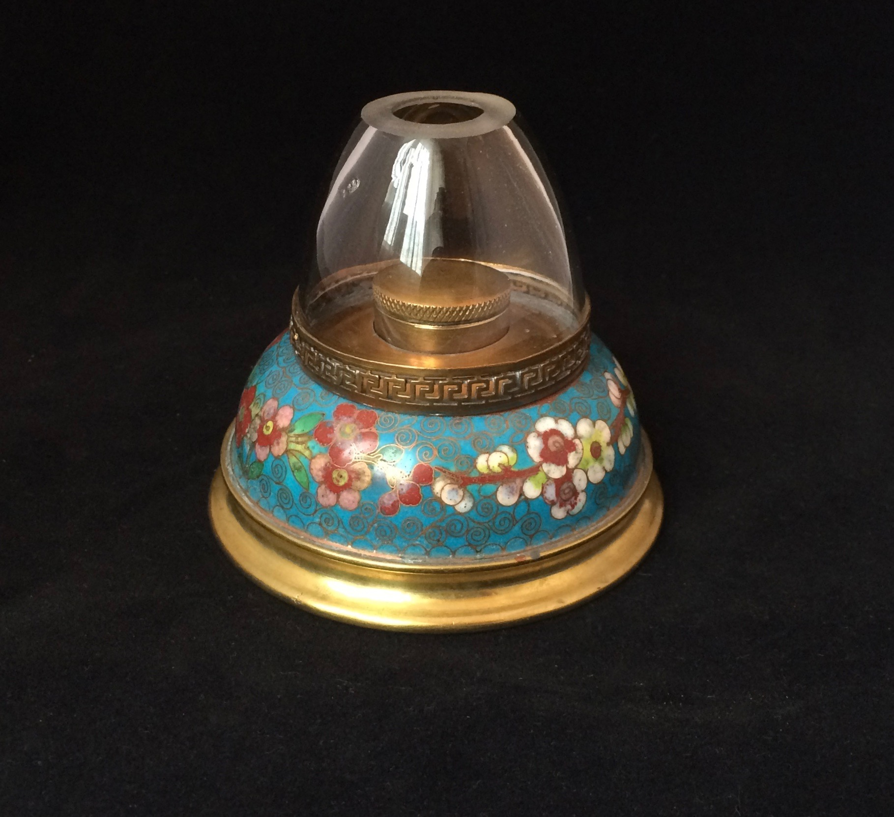 Gilded cloisonné-enameled round lamp (–> Lampes)