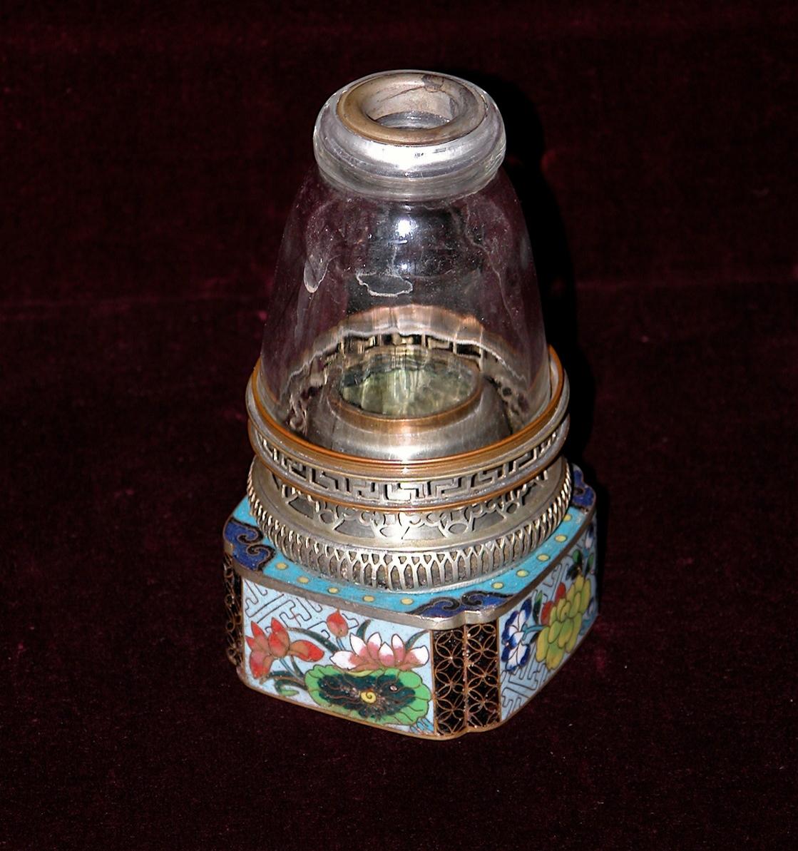 Lampe à opium ; base en cloisonné (–> Lampes)