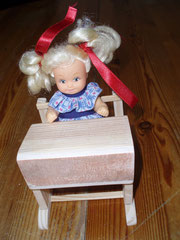 Pupitre d'écolier - jouet pour Barbie et autres poupées.