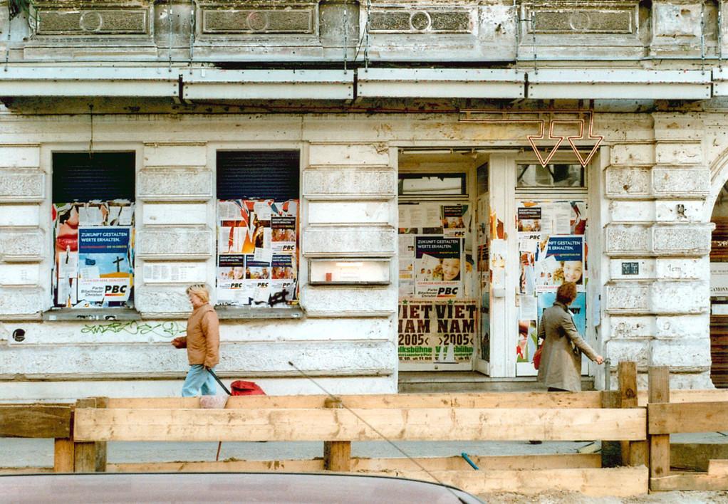 Antje Blumenstein, Fensterfront, Plakate, Werbung PBC, Flyer