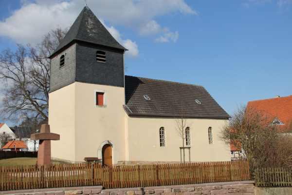 Kirche in Massenhausen
