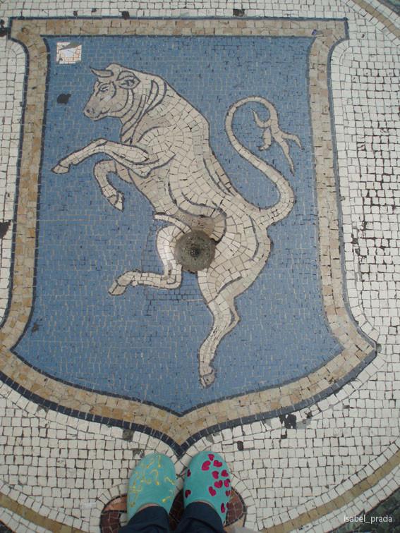 El Toro de la Galleria Vittorio Emanuelle