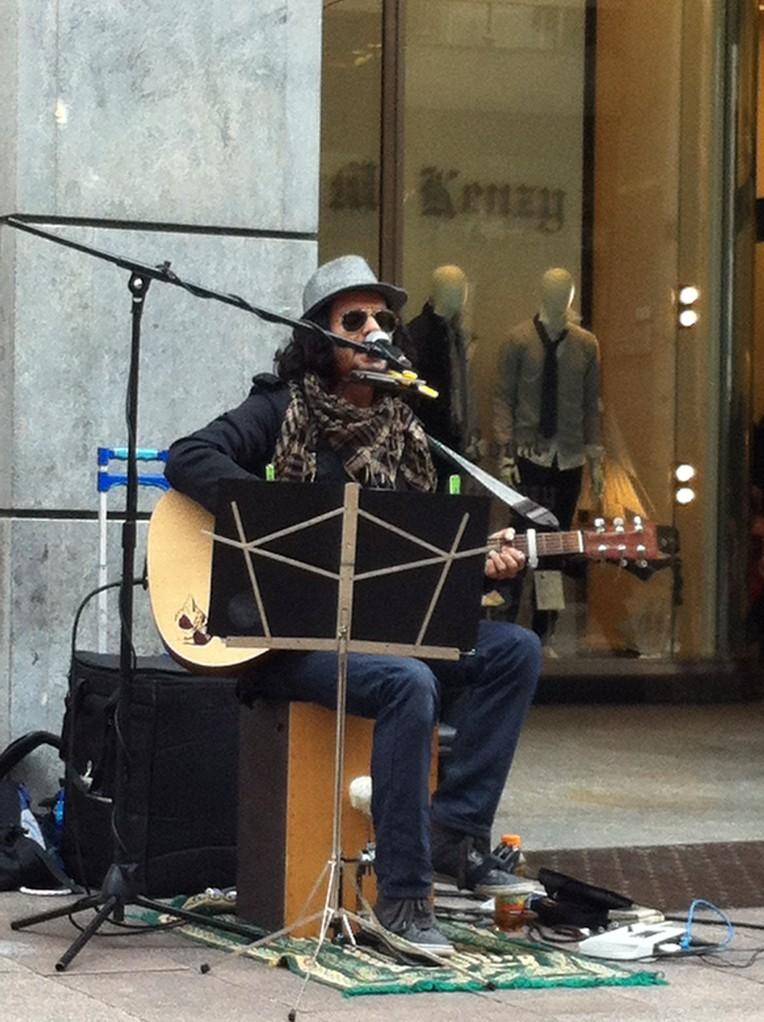 Musico en Corso Vittorio Emanuelle