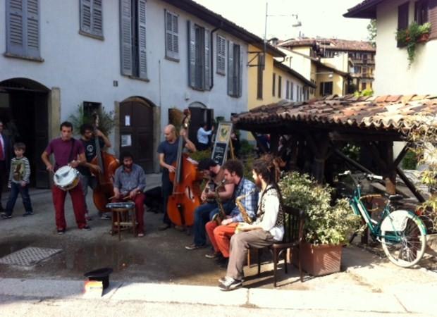 Grupo de Musica en el Naviglio