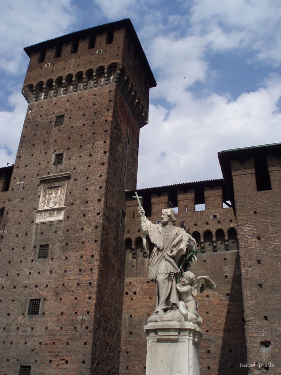 Estatua Castello Sforzesco