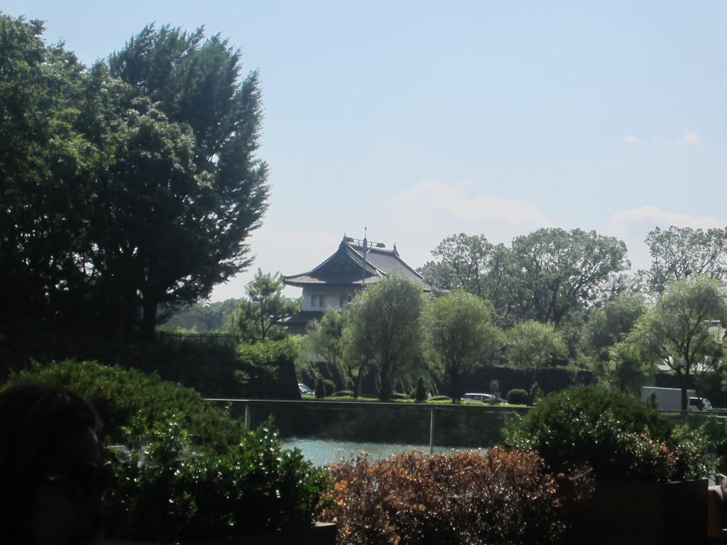 お城が見えてとっても素敵な雰囲気!