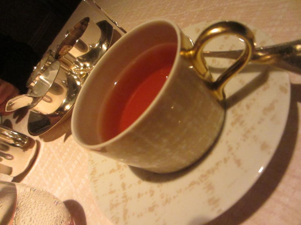 ツイード柄のカップ。