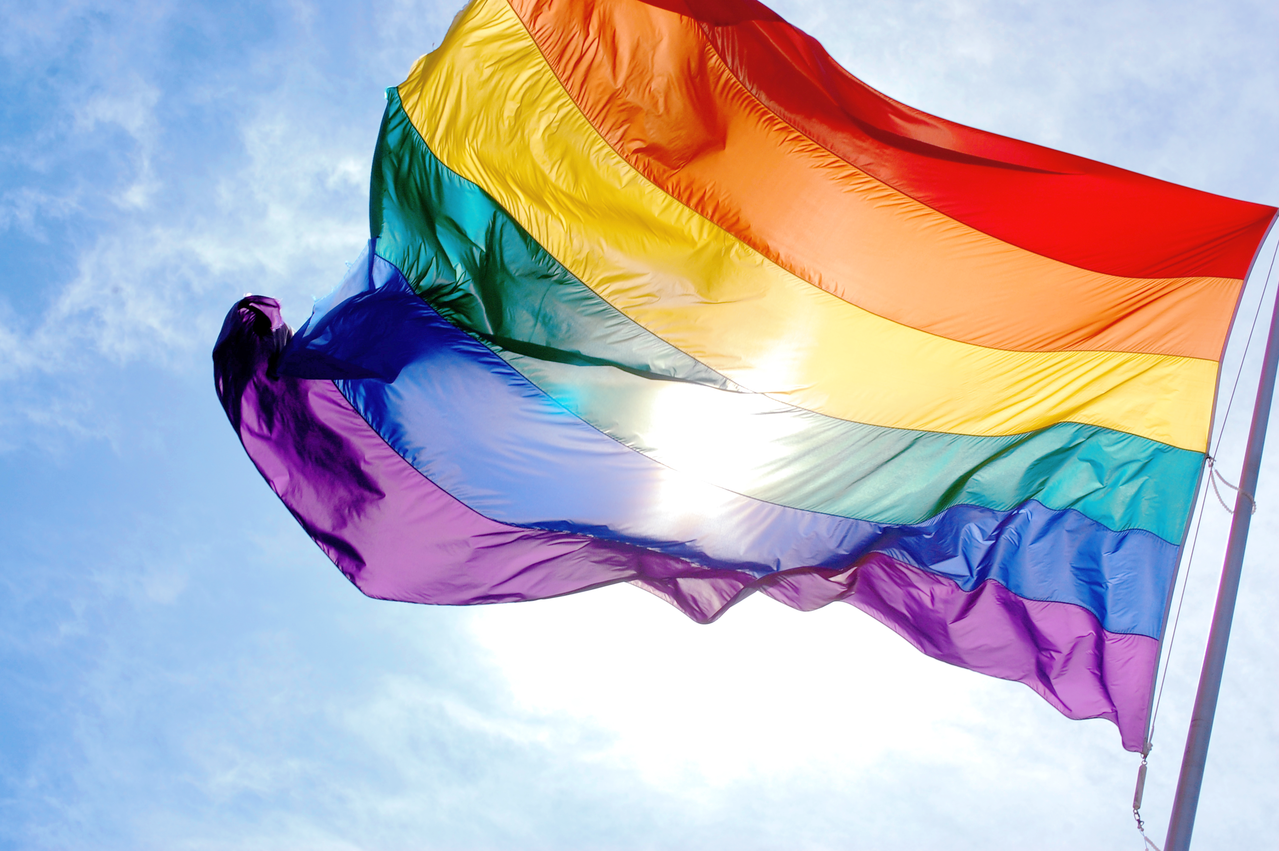 Regenbogen Flagge - Symbol für Toleranz und sexuelle Freiheit