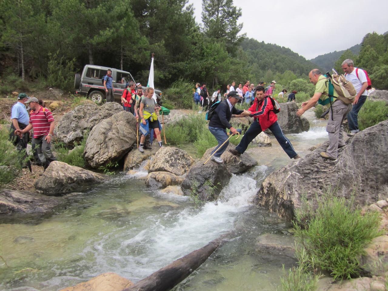 Cruzando el río (Año 2011)