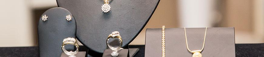 Modeschmuck und Silber- und Goldschmuck in Salzgitter