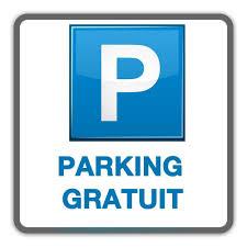 3 places de parking sur le terrain clos et fermé à clé