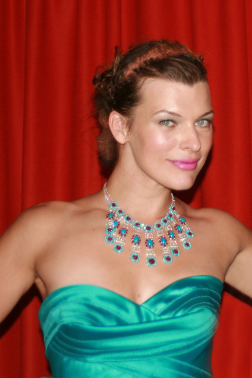 Milla JOVOVICH - Festival de Cannes 2008  - Photo : Anik Couble