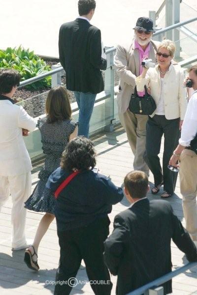 Madame Coppola assisté de Francis, filmant sa fille Sofia en 2006 / Photo : Anik Couble