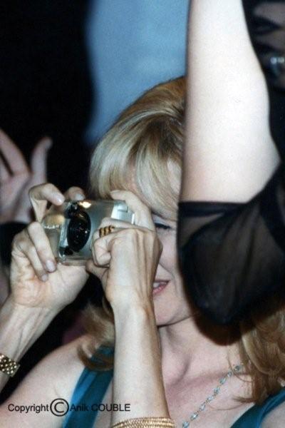 Rosanna Arquette, photographiant sa soeur Patricia en 1996 / Photo : Anik Couble