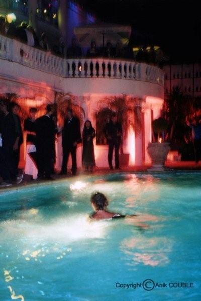 Soirée avec bain de minuit, dans une villa - Photo © Anik COUBLE