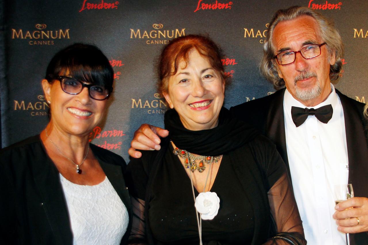 Monica, Nicole et Bob  - Plage Magnum Cannes - Festival de Cannes 2013 © Anik COUBLE
